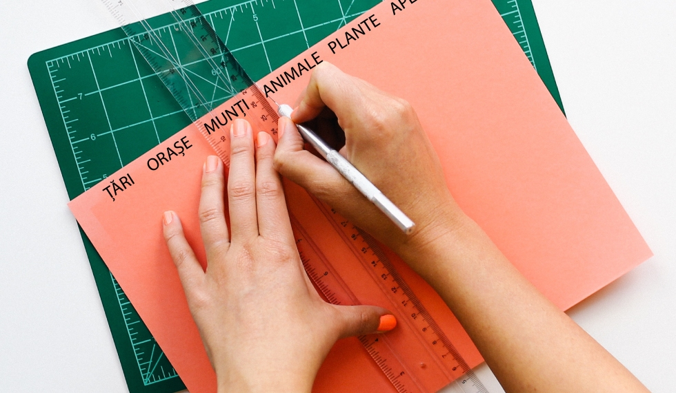 desk-office-pen-ruler-01.jpg